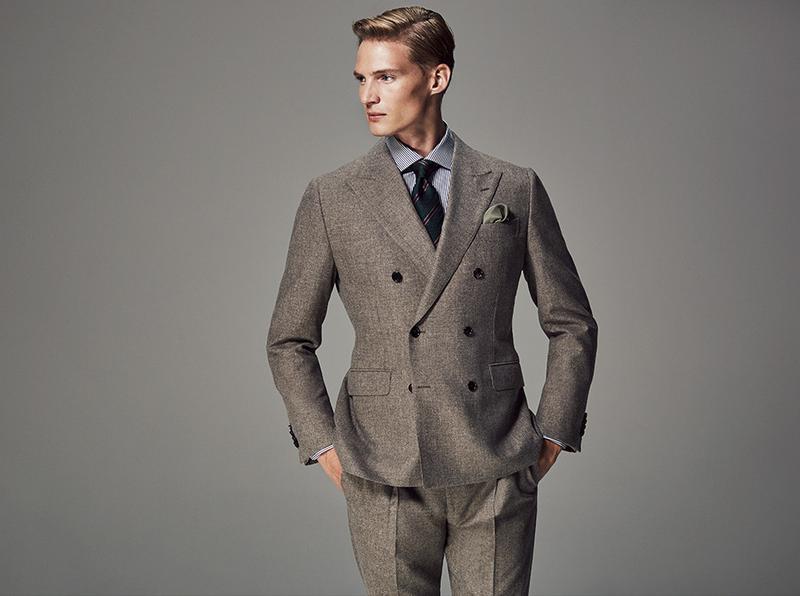 0e930317f2c1a マジソンのブラウンスーツには、ロンドンストライプのシャツとグリーンを基調にしたストライプタイのVゾーン。淡いブラウンに、ダークトーンのグリーンを合わせるテク  ...
