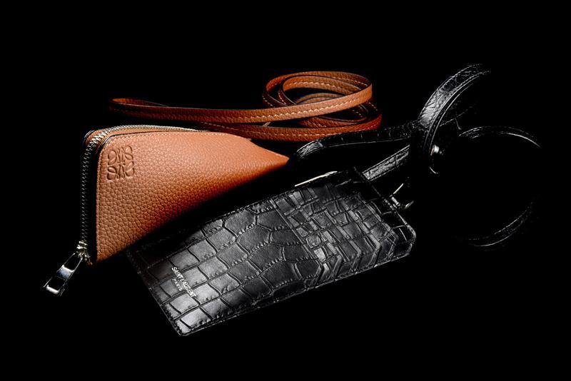 4918e382d22d 便利でお洒落!? 首から下げる財布が密かに人気 | メンズファッション ...