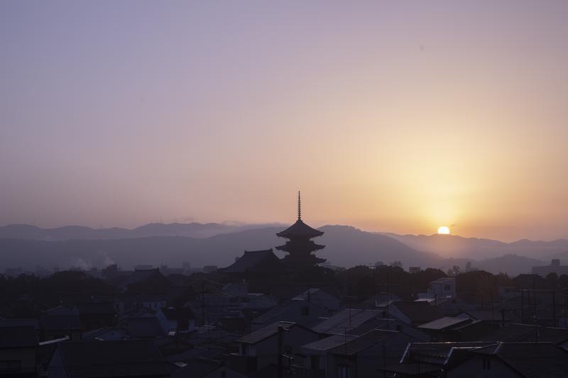 冬の京都は早朝が狙い目。早起きしなきゃできない特別の経験とは ...